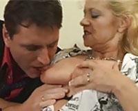 Geile alte Schlampe DirtyTalk Porno