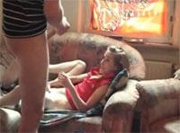 Dünne Teene Schlampe anal gefickt